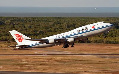 B-2447 AIR CHINA B747-400