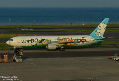 JA602A AIR DO B767-300