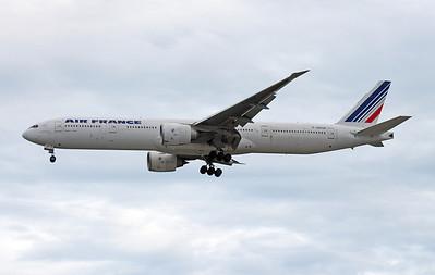 F-GSQF AIR FRANCE B777-300