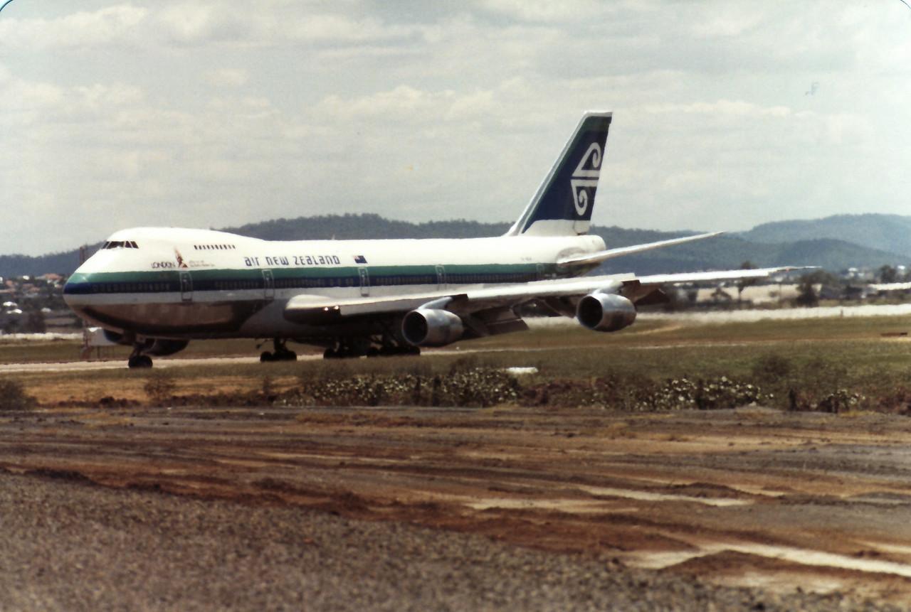 ZK-NZW AIR NEW ZEALAND B747-200