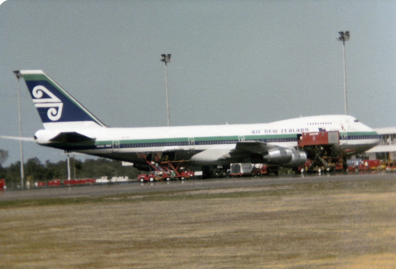 AIR NEW ZEALAND B747-200