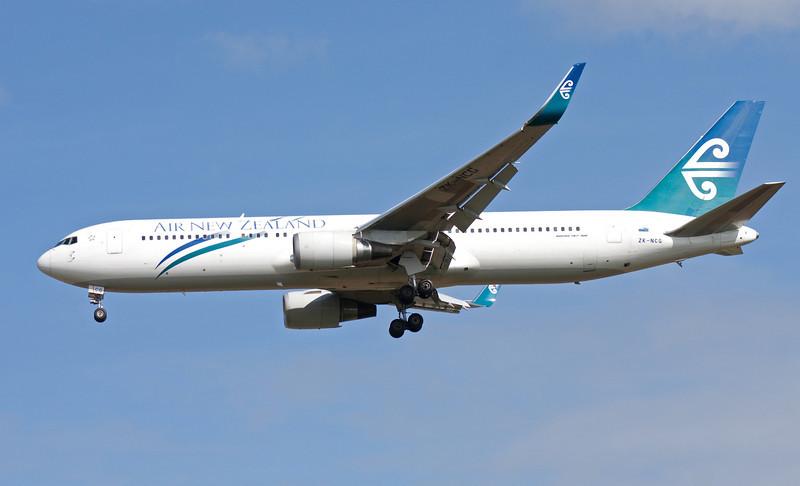 ZK-NCG AIR NEW ZEALAND B767-300