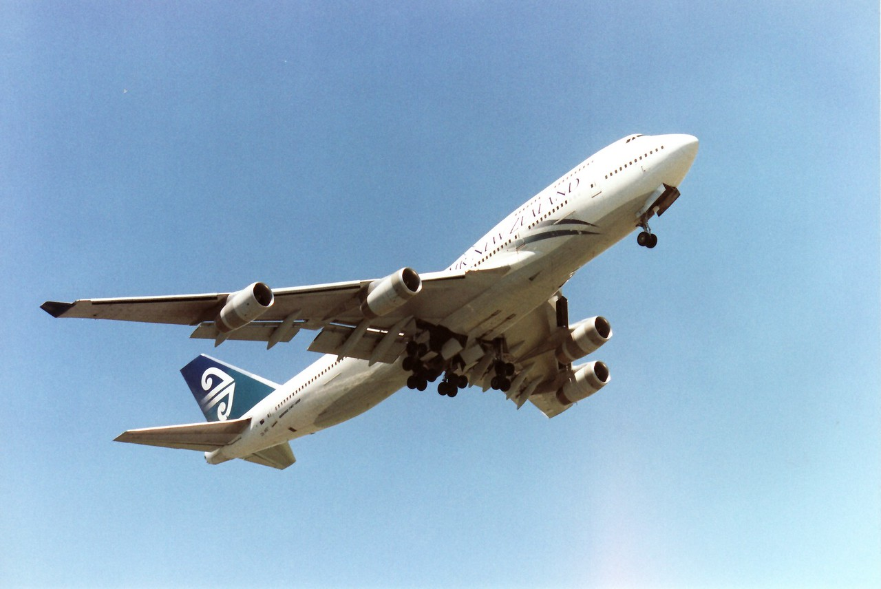 ZK-NBT AIR NEW ZEALAND B747-400