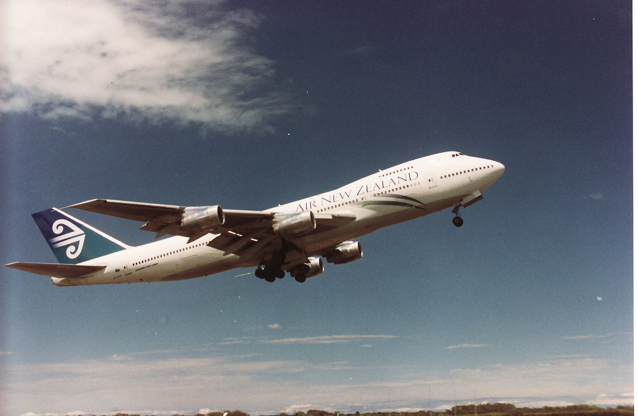ZK-NZY AIR NEW ZEALAND B747-200