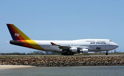DQ-FJK AIR PACIFIC B747-400