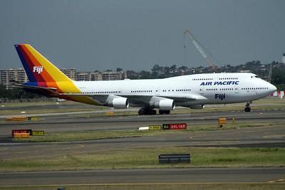 DQ-FJK AIR PACIFIC 747-400