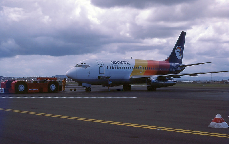 DQ-FDM AIR PACIFIC B737-200