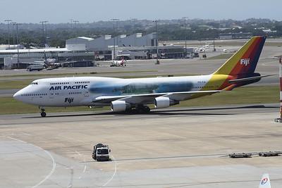 DQ-FJL AIR PACIFIC 747-400