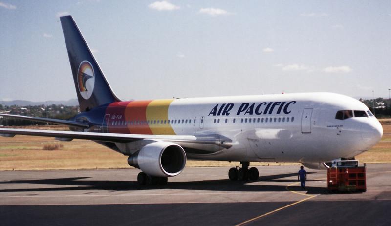 DQ-FJA AIR PACIFIC B767-200