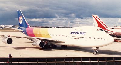 VH-EBJ AIR PACIFIC B747-200