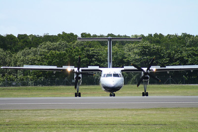 P2-MCG AIRLINES OF PNG DASH-8-100