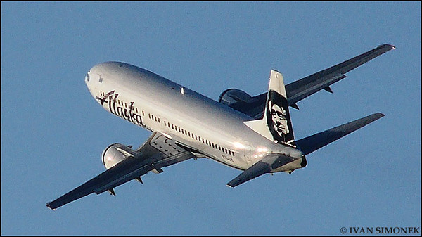 """IN FLIGHT"",Boeing 737-400,Alaska Airlines,Alaska,USA."
