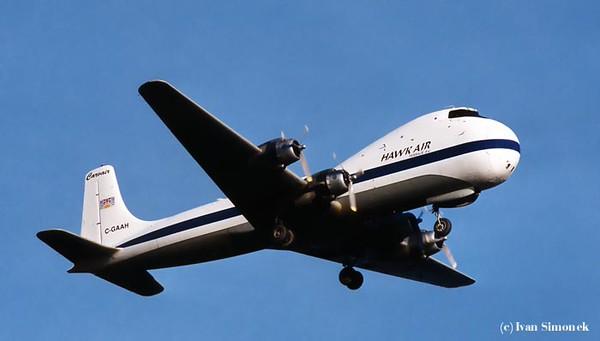 AIRPLANES / LETADLA.