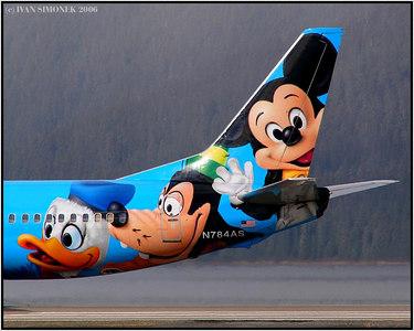 """""""HAPPY FACES"""", Alaska Airlines Boeing 737-400, Wrangell, Alaska, USA-----""""VESELE TVARE"""", Boeing 737-400 aljasskych aerolinek, Wrangell, Aljaska, USA."""