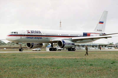 RA-64006 TUPOLEV TU-204 AVALON AIRSHOW 1995