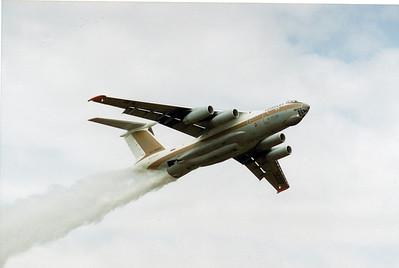 RA-76389 IL-76MD AVALON AIRSHOW 1995