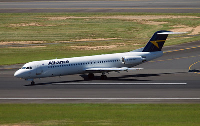 VH-FKF ALLIANCE AIRLINES F-100