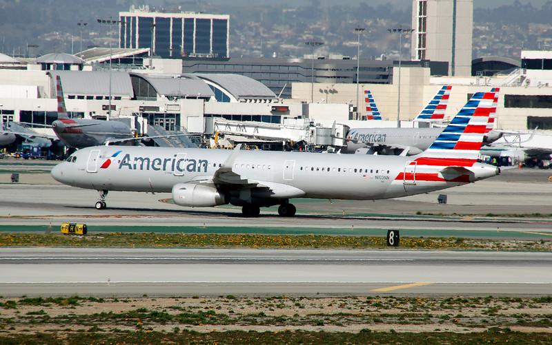 N103NN AMERICAN A321