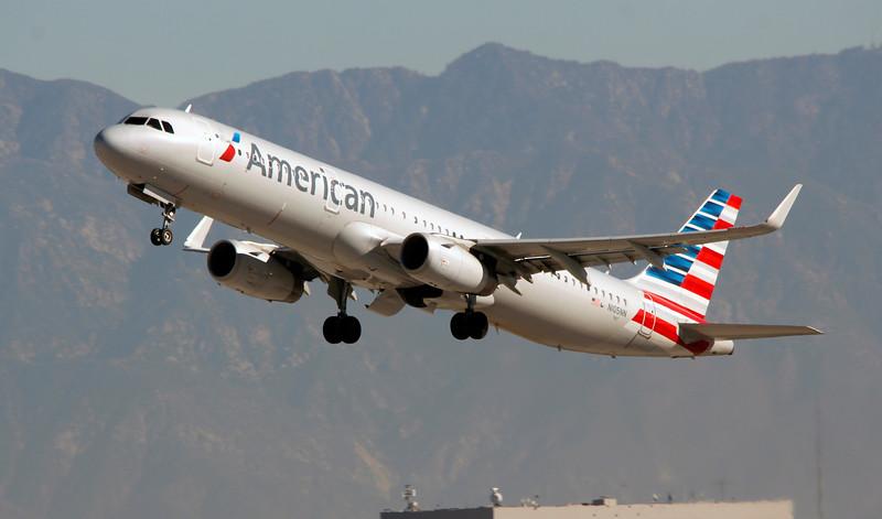 N105NN AMERICAN A321