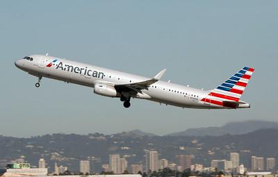 N128AN AMERICAN A321