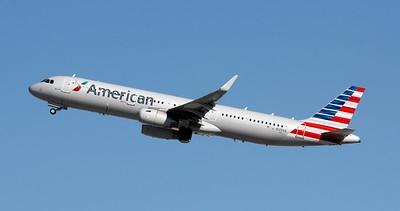 N125AA AMERICAN A321