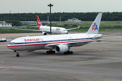 N784AN AMERICAN B777-200
