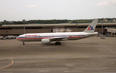 N775AN AMERICAN B777-200