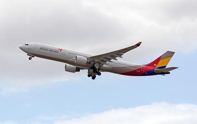 HL-7759 ASIANA A330-300