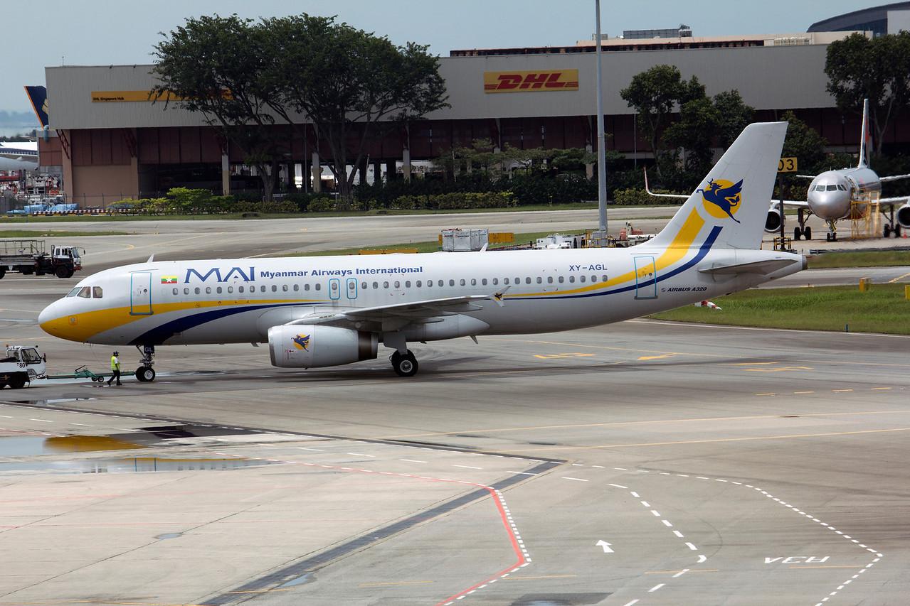 XY-AGL MYANMAR AIRWAYS A320