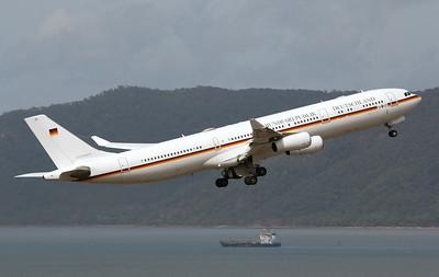 16+02 LUFTWAFFE GERMAN AIRFORCE  A340-300