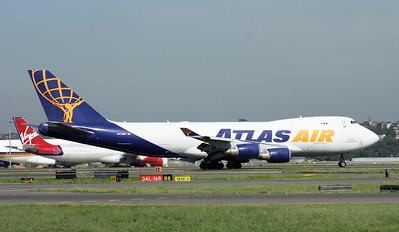 N412MC ATLAS AIR B747-400F