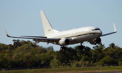 165836 US NAVY C-40 CLIPPER