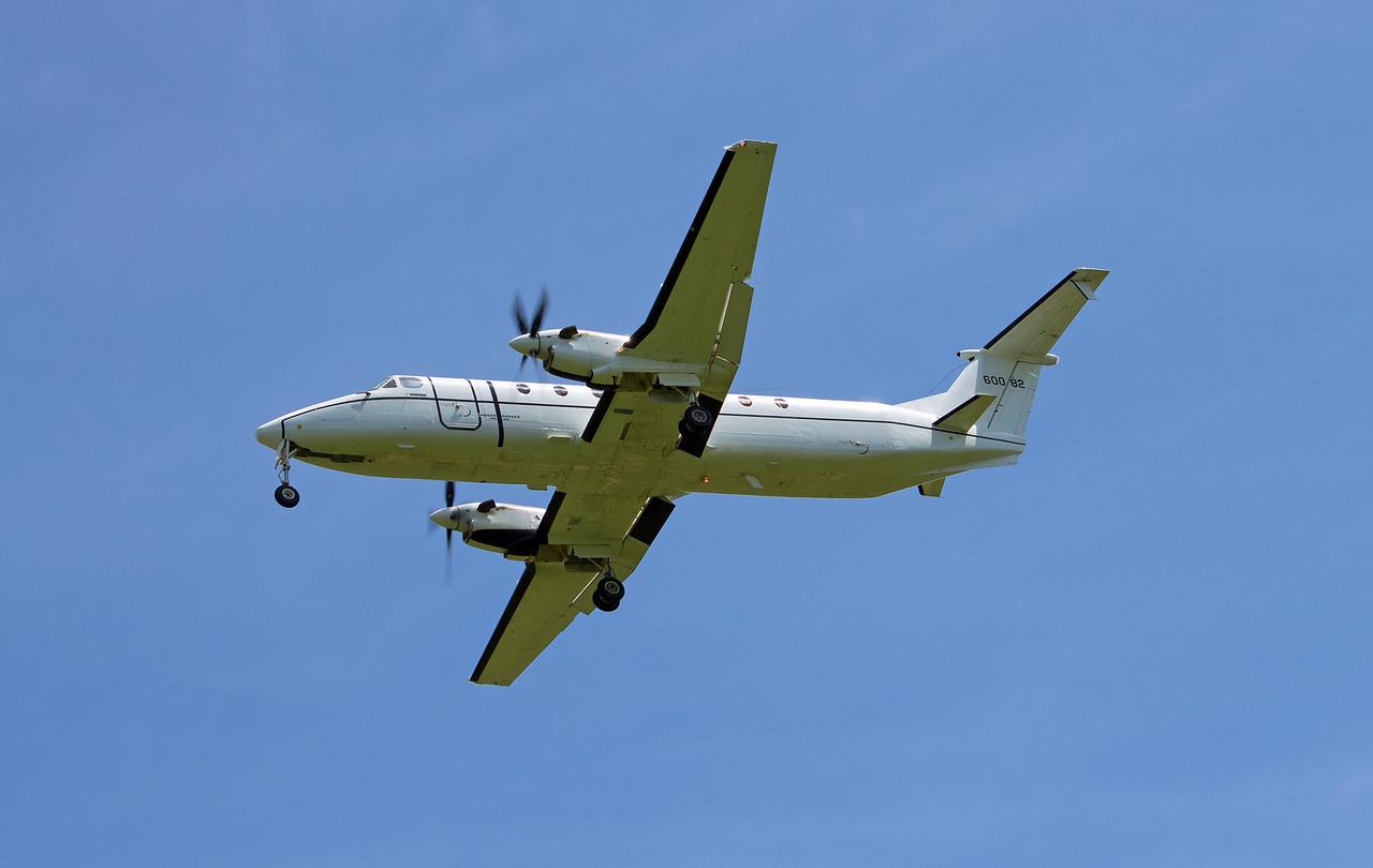 86-00082 C-12J USAF