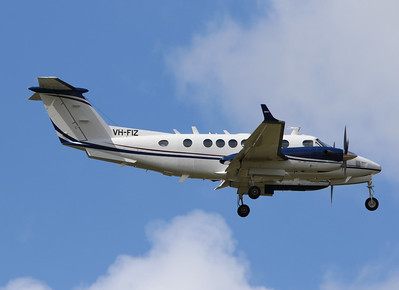 VH-FIZ PEARL AVIATION KING AIR-300