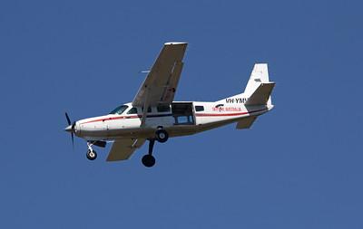 VH-YMV CAIRNS SKYDIVE CESSNA-208