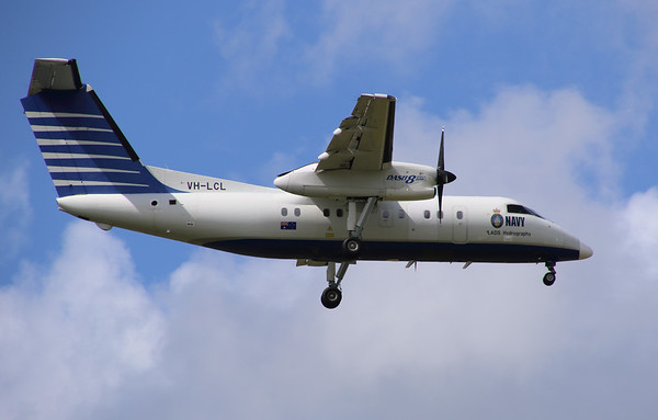 VH-LCL LADS DASH-8-200