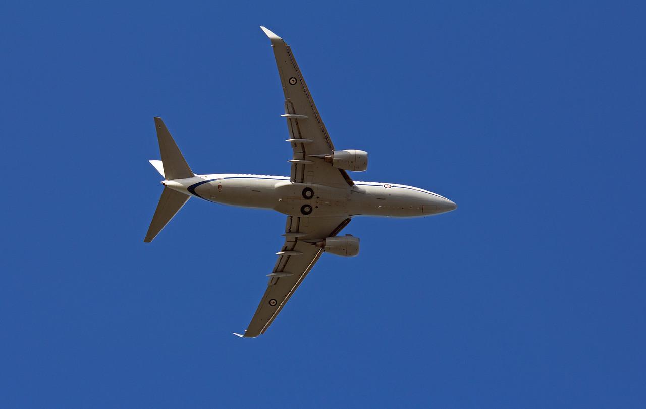 A36-002 RAAF B737-700