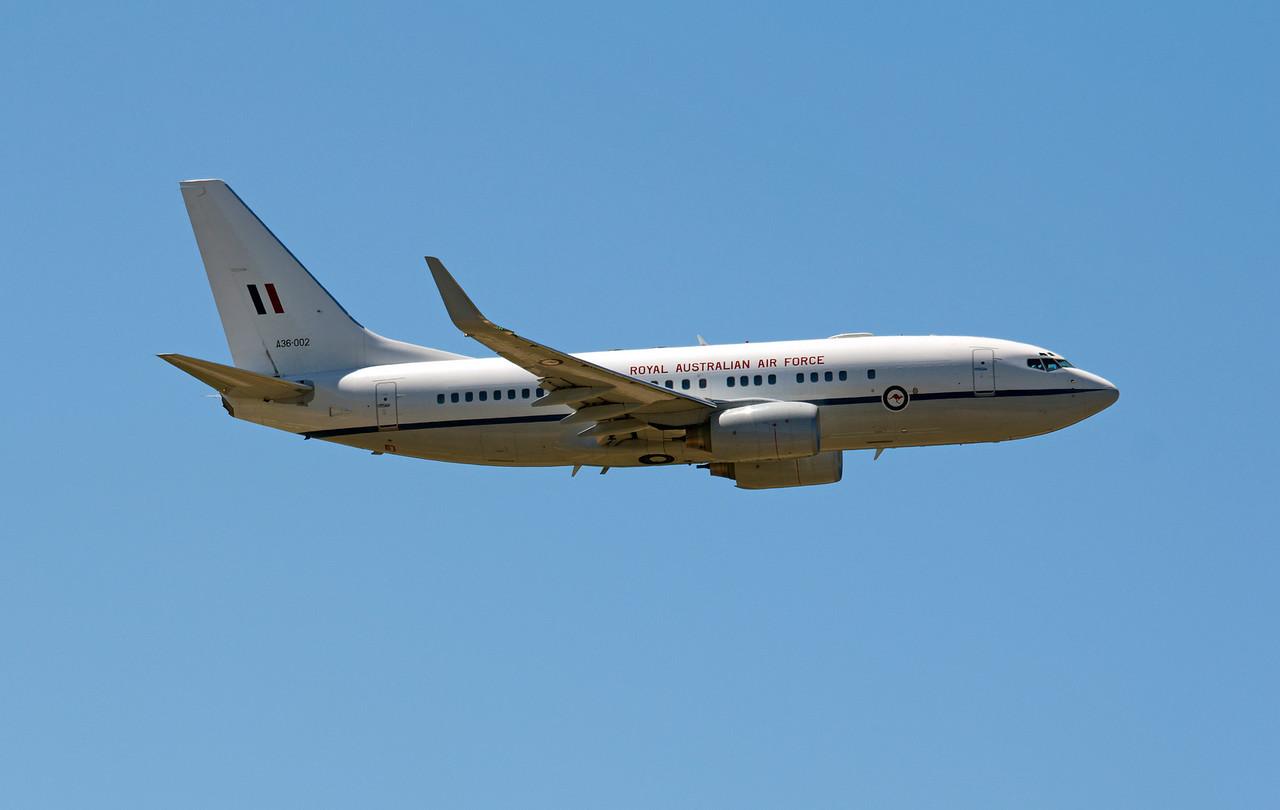 A36-002 RAAF B737-700 BBJ