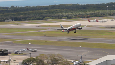 VH-EBC JETSTAR A330 Canon-1100D hd video