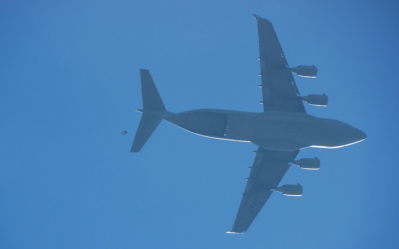 Canadian Forces SkyHawks & C-17 at 10,000 ft