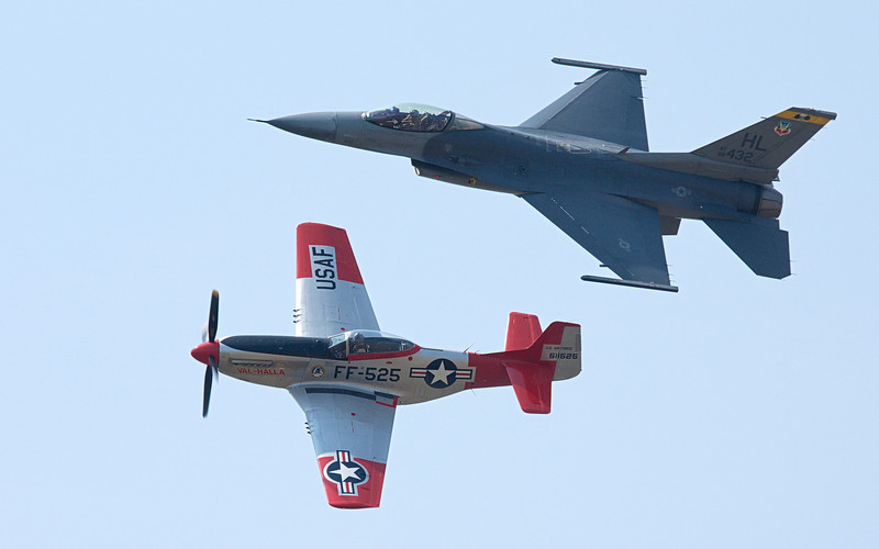 Heritage Flight - P-51D and F-16
