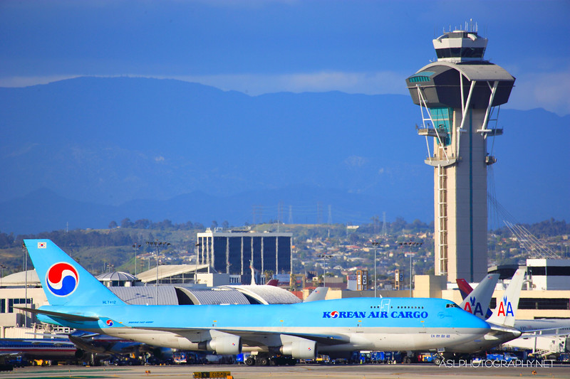 LAX International Airports With Various Flights & Airlines Departing & Arriving!