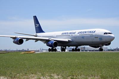 Aerolineas Argentinas Airbus A340-200 LV-ZPX