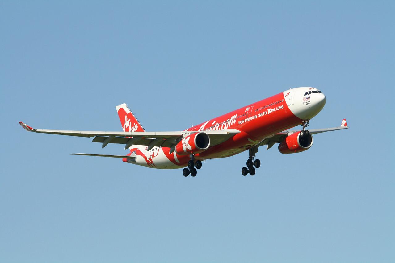 Air Asia X Airbus A330-343 9M-XXF