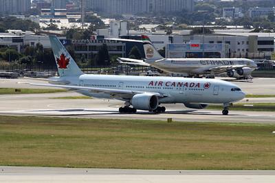 Air Canada Boeing 777-233LR C-FIVK