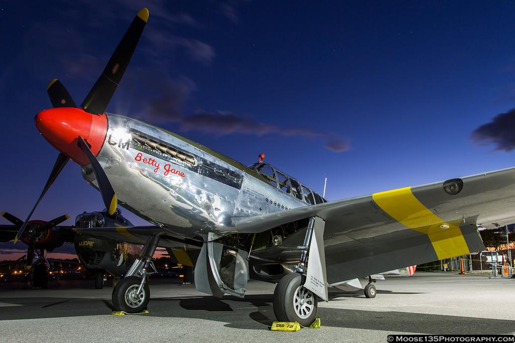 IMAGE: http://www.moose135photography.com/Airplanes/Air-Museums/Hickory-Aviation-Museum/i-NQVk8vr/0/XL/JM_2014_10_16_HAM_Collins_P-51_002-XL.jpg