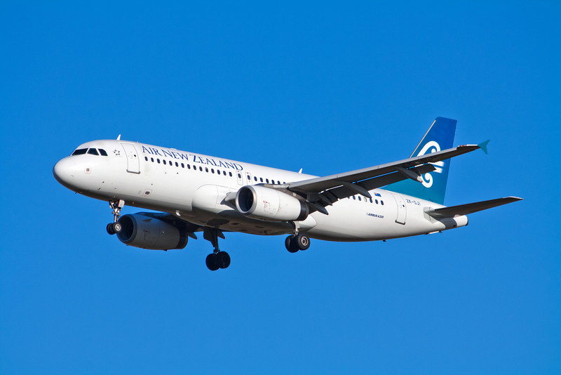 Air New Zealand Airbus A320-200 ZK-OJI