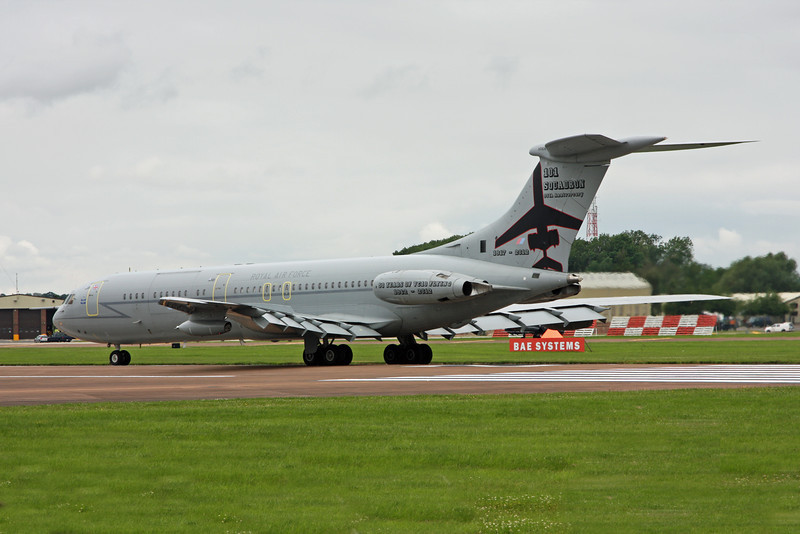 XR808 Vickers VC-10 C1K (RAF Fairford) Royal Air Force (Special paint scheme - 101 squadron 50 years of flying the VC10) [1]