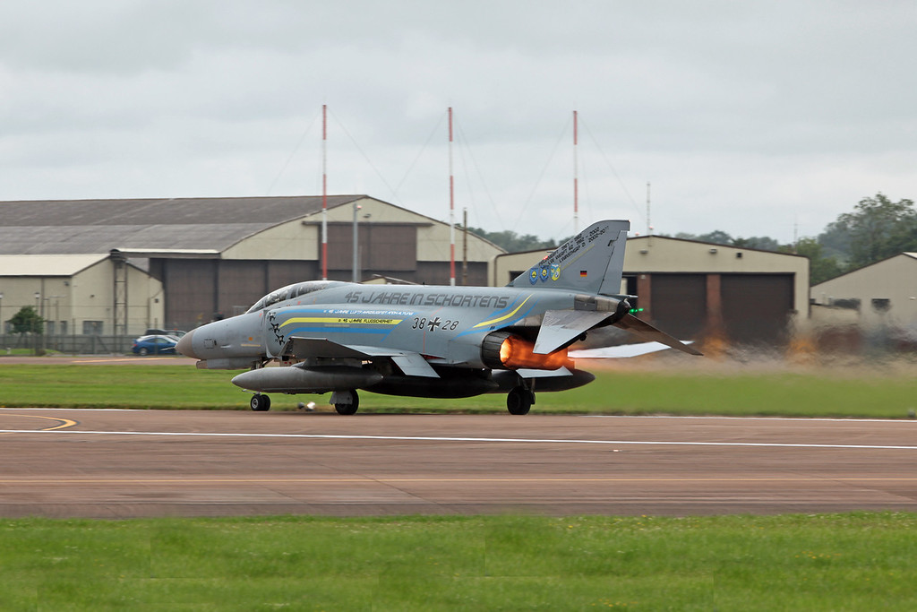 38 28 McDonnell Douglas F-4F 'Phantom' (RAF Fairford) German Air Force JG71 [2]