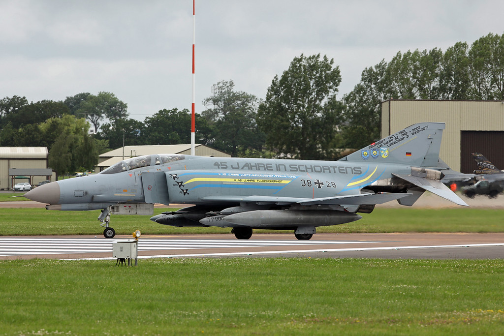 38 28 McDonnell Douglas F-4F 'Phantom' (RAF Fairford) German Air Force JG71